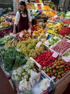 Market Trionfale, Quartiere Prati, Rome, Lazio, Italy. Photo: Charles Bowman