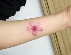 Tatoo pink flower Tatuaje de flor rosa