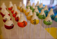 lab cake pops! Laboratory Humor, Medical Laboratory Science, Science Cake, Science Party, Cake Pops, Lab Humor, Graduation Theme, Lab Tech, Party Themes