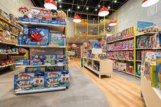 MP Brinquedos - Estúdio Jacarandá Shop Lego, Scenery Background, Industrial Loft, Toys Shop, Toy Store, Store Design, News Design, Header, Kids Toys