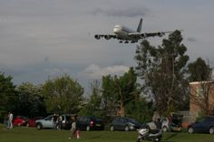 Myrtle Avenue at London Heathrow is a small grass area close to the end of runway 27L. Aircraft pass over your head before landing and can easily by photographed.