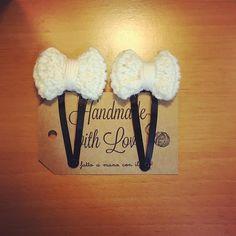 Mollettine mollette fermacapelli con fiocco bambina stile Gucci 😊#gucci#stile#crocheting#accessories#accessorize#accessori#capelli#bambinafelice#boutiquebambina#fioccobianco#fiocco#mollettepercapelli