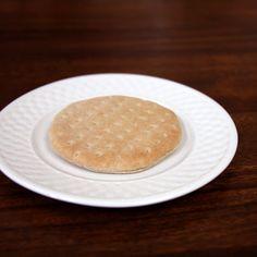 Pin for Later: Wie sehen eigentlich 100 Kalorien aus? Sandwich-Brot Per Stück: 100 Kalorien