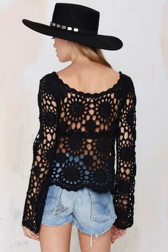 Fabulous Crochet a Little Black Crochet Dress Ideas. Georgeous Crochet a Little Black Crochet Dress Ideas. T-shirt Au Crochet, Cardigan Au Crochet, Pull Crochet, Gilet Crochet, Mode Crochet, Black Crochet Dress, Crochet Shirt, Crochet Woman, Crochet Tops