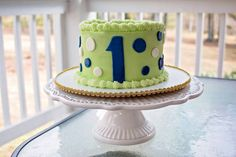 Blue and green smash cake