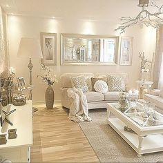 Luxurious And Elegant Living Room Design Ideas Cream Living Room Decor, Glam Living Room, Elegant Living Room, Cozy Living Rooms, Interior Design Living Room, Home And Living, Living Room Designs, Cream And White Living Room, Glam Bedroom