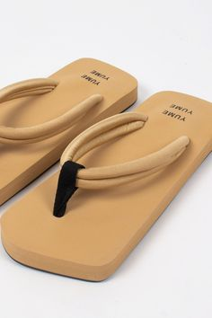 Aesthetic Shoes, Recycled Rubber, Designer Sandals, Minimal Fashion, Summer Sale, Shoe Collection, Biodegradable Products, Me Too Shoes, Slippers