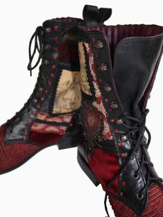 I really want these Alice In Wonderland inspired boots by: Pendragonshoes.com