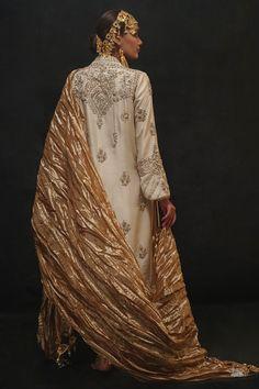 Ivory pure raw silk classic kurta with ganga jamni in zardozi paired with a zardozi cutwork izaar. Pakistani Bridal Couture, Pakistani Wedding Outfits, Pakistani Dresses, Indian Outfits, Indian Party Wear, Indian Bridal Wear, Indian Wear, Embroidery Suits Design, Embroidery Dress