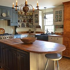 34 Best Ideas For Farmhouse Colonial Kitchen Kitchen Redo, Home Decor Kitchen, New Kitchen, Home Kitchens, Kitchen Dining, Country Kitchens, Kitchen Ideas, Farmhouse Kitchens, Kitchen Island