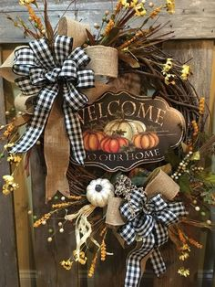 08 Inspiring Handcrafted Fall Wreath Ideas For Front Door Thanksgiving Wreaths, Thanksgiving Decorations, Halloween Decorations, Harvest Decorations, Diy Fall Wreath, Holiday Wreaths, Wreath Ideas, Winter Wreaths, Spring Wreaths