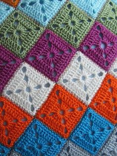 Another Granny Square Crochet Bedspread, Crochet Quilt, Crochet Blocks, Crochet Motif, Baby Blanket Crochet, Crochet Doilies, Granny Square Crochet Pattern, Crochet Diagram, Crochet Stitches Patterns