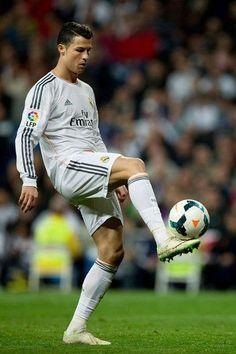 Madrid Football Club, Best Football Team, Football Soccer, Real Madrid, Cristiano Ronaldo Juventus, Neymar, Good Soccer Players, Football Players, Ronaldo Photos