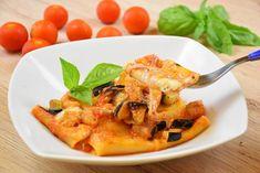 I paccheri cremosi con melanzane sono un primo piatto veloce da realizzare, cremoso e ricco di sapori. Ecco la ricetta