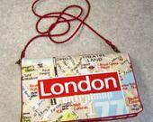 Sac pochette en toile LONDON passepoilé rouge à bandoulière amovible : Sacs bandoulière par l-atelier-dina