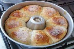 A Receita de Rosca de Leite Condensado Fácil é econômica e deliciosa. Com poucos ingredientes e quase nada de gordura, você fará uma rosca de leite condens