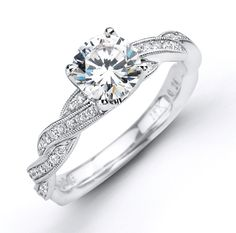 Love this with its matching wedding band!!