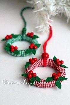 Handmade Christmas Decorations, Christmas Ornament Crafts, Christmas Minis, Handmade Ornaments, Diy Christmas Gifts, Christmas Projects, Holiday Crafts, Ornament Wreath, Christmas Wreaths