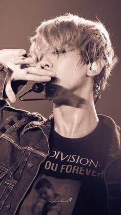 the gentle moon was crushed into a handful of stars and melted in your eyes Baekhyun Chanyeol, Baekhyun Fanart, Exo Chanbaek, Kim Minseok, Kpop Exo, Exo K, Joy Division, Proyectos Cricut Explore, Rolex Explorer Ii