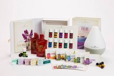 Here are 5 Premium Starter Kit Diffuser Recipes. The Young Living Premium Starter Kit comes with essential oils that are perfect for diffusing. Essential Oils Wholesale, Essential Oils Online, Essential Oil Starter Kit, Essential Oil Diffuser, Melaleuca, Young Living Oils, Young Living Essential Oils, Pure Essential, Diffuser