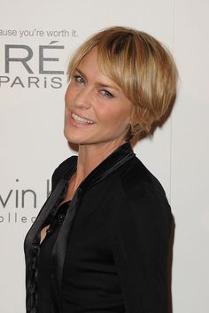 Click for sevral angles on Robin Wright Penn Hair http://www.stylebistro.com/lookbook/Short+Hairstyles/OP-bkp0yt0j/angle/0nyUm5I6zd9