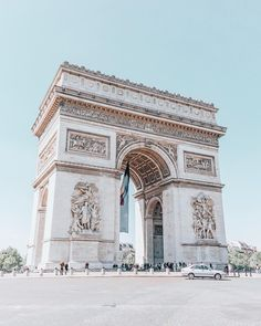 """2,700 curtidas, 193 comentários - Morgane Travel Lover (@morgylh) no Instagram: """"Paris has something magical, inexplicable, that makes everyone fall in love . What city has a…"""""""
