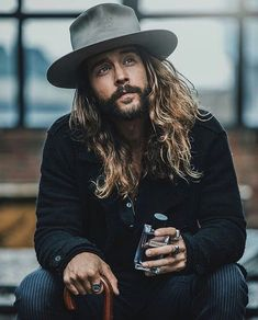 Mens Fashion Hipster – The World of Mens Fashion Bohemian Style Men, Style Indie, Grunge Style, Bohemian Mens Fashion, Soft Grunge, Hair And Beard Styles, Long Hair Styles, Fedora Outfit, Hipster Haircuts For Men