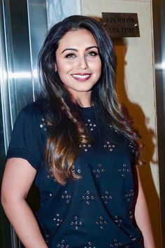 Rani Mukerji, Sexy Women, Sexiest Women, Most Beautiful Indian Actress, Girl Wallpaper, Beauty Art, India Beauty, Indian Girls, Sexy Legs