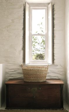 I love the window! And the basket & trunk also..