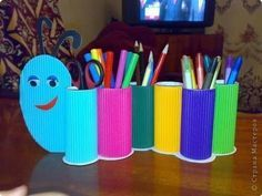 Help your kids with creative ideas for school crafts, let enjoy your back to school craft making moments too. Here are the Top 9 Back School craft Ideas. Toilet Paper Roll Crafts, Paper Crafts For Kids, Diy For Kids, Crafts To Make, Easy Crafts, Arts And Crafts, Creative Ideas For Kids, Tissue Roll Crafts, Toddler Crafts