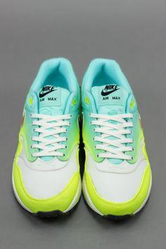 new arrivals 2028d 0b8b1 Nike WMNS Air Max 1 PRM Magista IvoryMetallic Gold Air Max 1,
