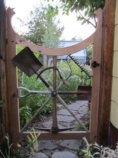 DIY Up-Cycled Garden Gates ideas and tutorials! Old garden tools! Old Garden Tools, Garden Gates And Fencing, Garden Doors, Garden Projects, Garden Junk, Garden Entrance, Gardening Tools, Garden Sheds, Garden Crafts