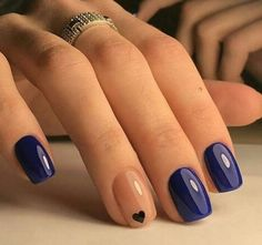 Simple & Classy minimal nail art https://www.facebook.com/shorthaircutstyles/posts/1762374564052983