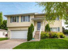 402 Se 30th St, Ankeny, IA 50021. 3 bed, 2 bath, $187,500. Welcome home!  This ...