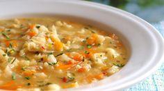 Květáková polévka s mrkví a kapáním Soup Recipes, Cooking Recipes, Food 52, Soups And Stews, Cheeseburger Chowder, Food Porn, Food And Drink, Yummy Food, Decor