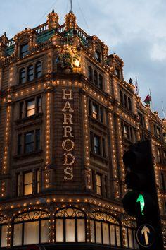 Harrods, London, UK. #LondonMoments @visitlondon @monicaninos