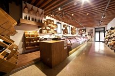 EL BOCON DEL PRETE food store by Filippo Remonato, Bassano del Grappa – Italy » Retail Design Blog