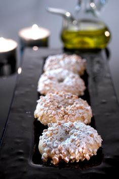 Recipes made with extra virgin olive oil. Entrants, snacks, main dishes and desserts from Olive Oils from Spain Baked Donuts, Doughnuts, Almond Cookies, Something Sweet, Healthy Desserts, Holiday Recipes, Food To Make, Breakfast Recipes, Food And Drink