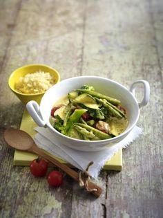 Unser beliebtes Rezept für Gemüse-Kokos-Curry zu Couscous und mehr als 55.000 weitere kostenlose Rezepte auf LECKER.de.