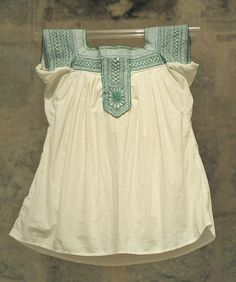 Mixtec blouse, Oaxaca Museum of Textiles Modest Casual Outfits, Summer Outfits, Cute Outfits, Fashion Sewing, Boho Fashion, Fashion Dresses, Womens Fashion, Embroidered Clothes, Embroidered Blouse