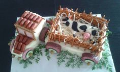 "Slaný dort ""traktor"" s valníkem | Slané dobroty Food Humor, Funny Food, Waffles, Cheese, Breakfast, Cake, Desserts, Pun Gifts, Tractor"
