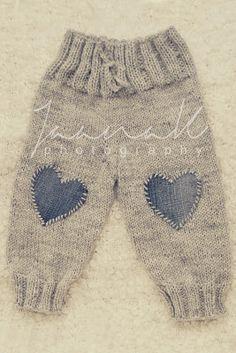 "сладкой жизни и вещей [ ""wool pants from sweet living and th… - Knitting Ideas Knitting For Kids, Baby Knitting Patterns, Baby Patterns, Free Knitting, Knitting Ideas, Baby Dungarees, Knitted Baby Clothes, Baby Leggings, Wool Pants"