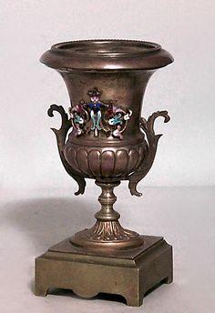 French Victorian accessories urn/vase bronze
