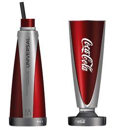 Essa é um novo conceito de embalagem para a Coca-Cola criado pelo designer Mikayel Harutyunyan da Armênia. A ideia é possibilitar que a pessoa opte por beber o produto em estilo garrafa ou copo.