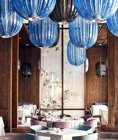 Get inspiration for your work in progress: a new restaurant decor project! Find out the best restaurant lighting and furniture for your interior desi Bar Interior Design, Restaurant Interior Design, Cafe Interior, Design Design, Design Ideas, Bar Restaurant, Restaurant Lighting, Chinese Restaurant, Luxury Restaurant