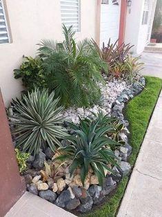 25 Beautiful Front Yard Rock Garden Landscaping Design Ideas ~ GODIYGO.COM Small Front Yard Landscaping, Front Yard Design, Landscaping With Rocks, Garden Landscaping, Landscaping Ideas, Magic Garden, Diy Garden, Shade Garden, Garden Ideas