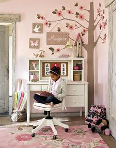 Cute Girls Desk Area Because I Have A Beautiful Daughter