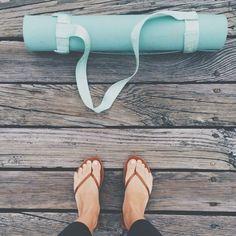 Just a little early morning yoga on the dock #lululemon #reefs #yoga