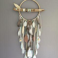 Attrape rêves / dreamcatcher / attrapeur de rêves en bois flotté, plumes et perles bois