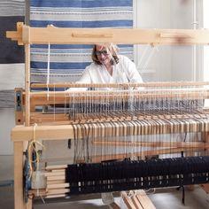 Teppich: annasaarinen  Anna Scherrer Saarinen Neumarkt 3 8001 Zürich 079 249 71 11 mail@annasaarinen.ch